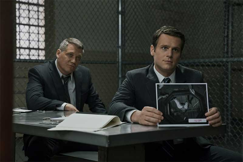 Holt McCallany and Jonathan Groff in Mindhunter