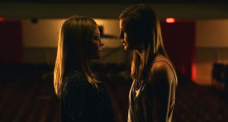 Sydney Sweeney and Peyton Kennedy in Everything Sucks