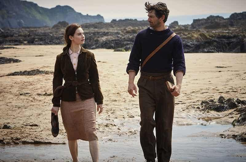 Lily James and Michiel Huisman in The Guernsey Literary and Potato Peel Pie Society