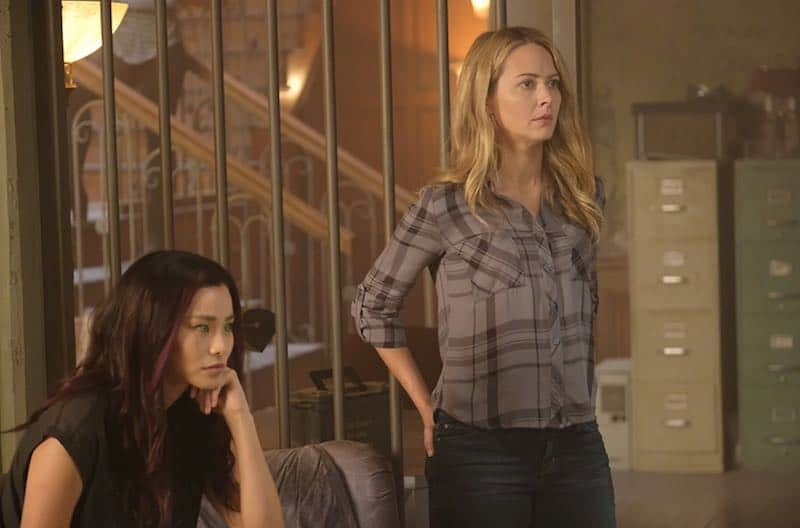 Amy Acker and Jamie Chung in The Gifted