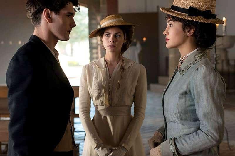 Yon González, Amaia Salamanca, and Megan Montaner in Gran Hotel