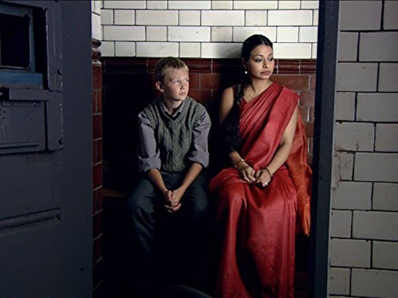 Jacob Oakley and Ayesha Dharker in The Indian Doctor
