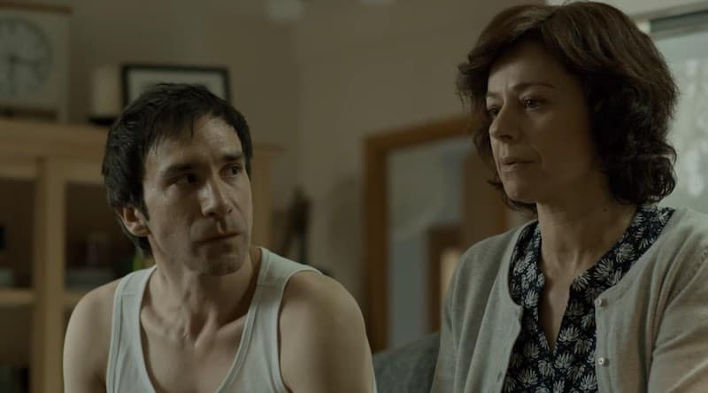 5 Daniel Ortiz and María Salgueiro in Locked Up (Vis a vis)