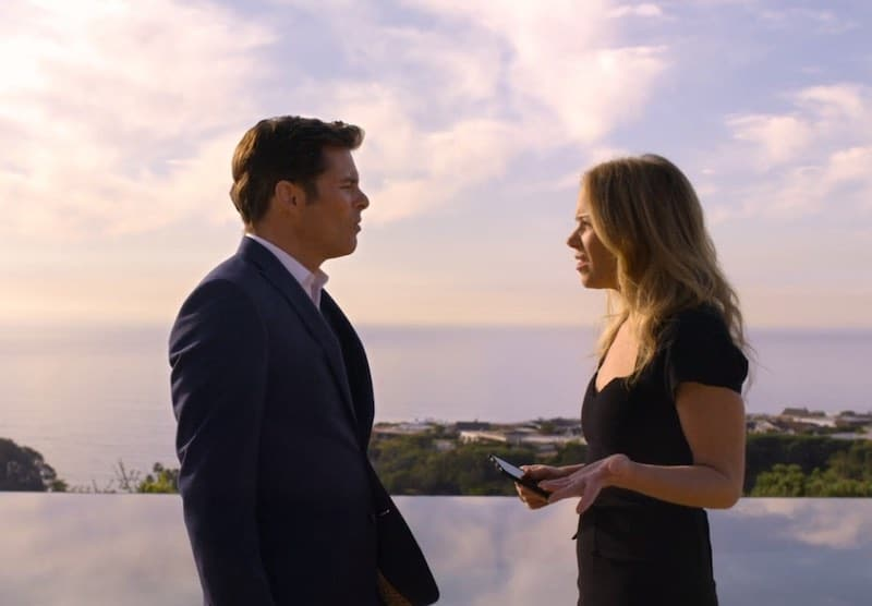 James Marsden and Christina Applegate in Dead to Me
