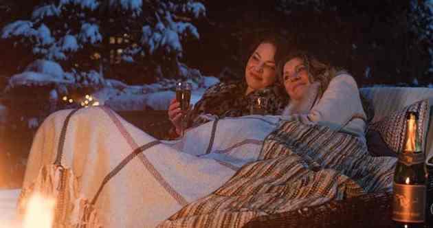 Katherine Heigl and Sarah Chalke in Firefly Lane