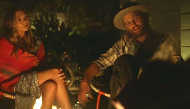 Elizabeth Olsen and Wyatt Russell in Ingrid Goes West
