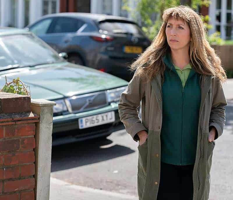 Review: Back to Life, comedy from the UK, seasons 1-2