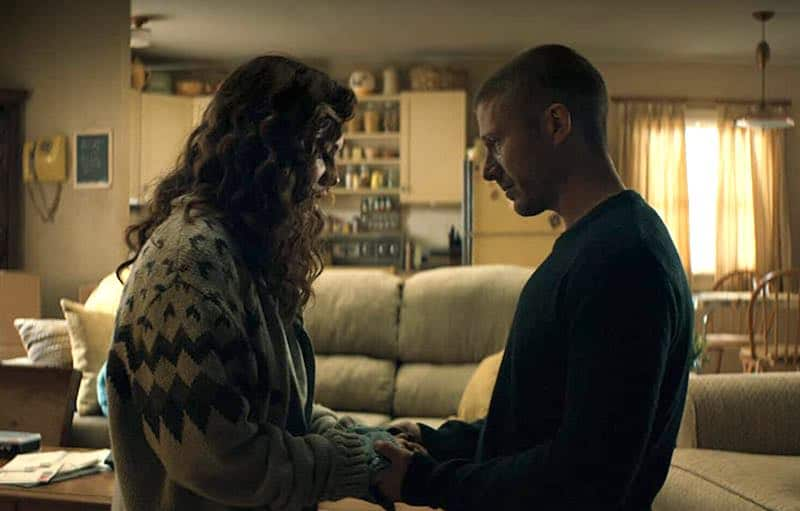 Kate Siegel and Zach Gilford in Midnight Mass