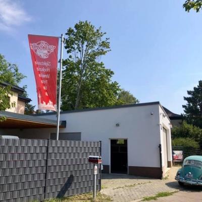 Old Bulli Berlin - Garage - Fahne