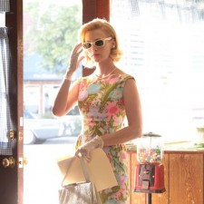 01-madmen-s3-betty