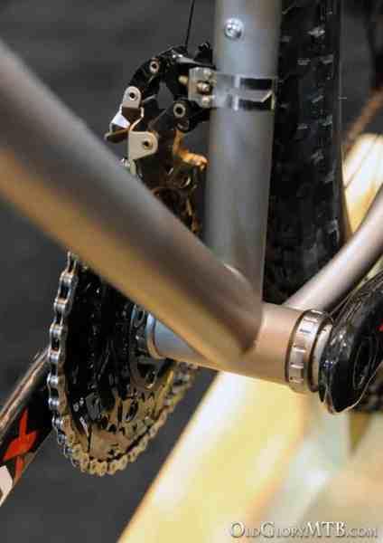bottom bracket construction detail