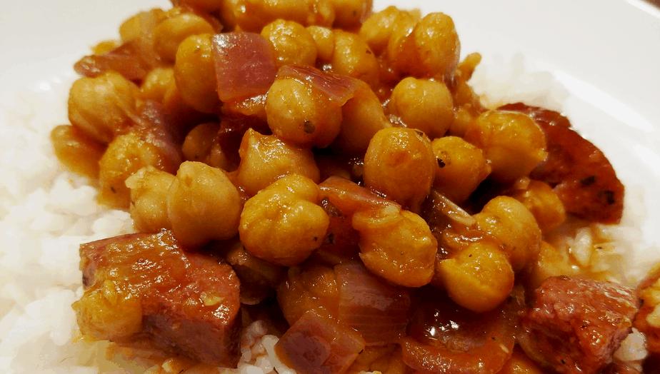 Cuban Style Garbanzos and Sausage