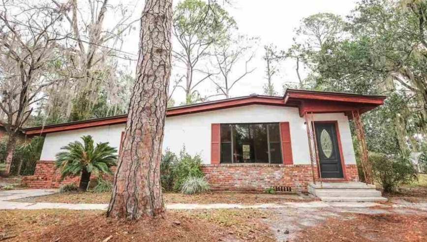 c.1959 Mid-Century Home For Sale in Perry FL Under $79K