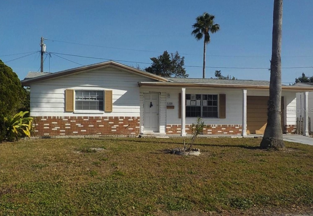 c.1968 Foreclosure Ranch in Holiday FL Under $100K – 20 Minutes to Beach