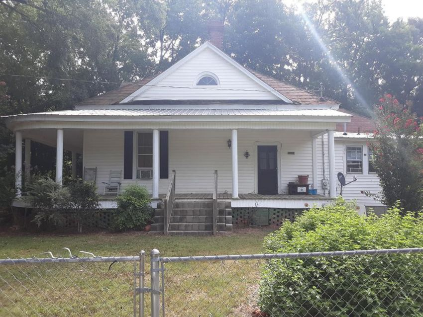 SC handyman special w/ 1.8 acres & pool $81K