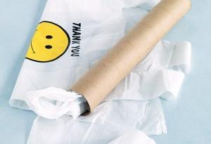 Как хранить пластиковые пакеты?