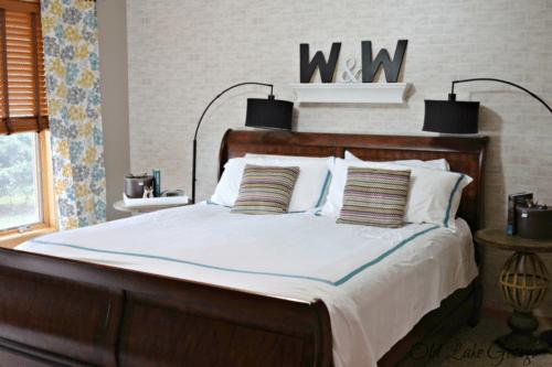 Bedroom with hotel bedspread
