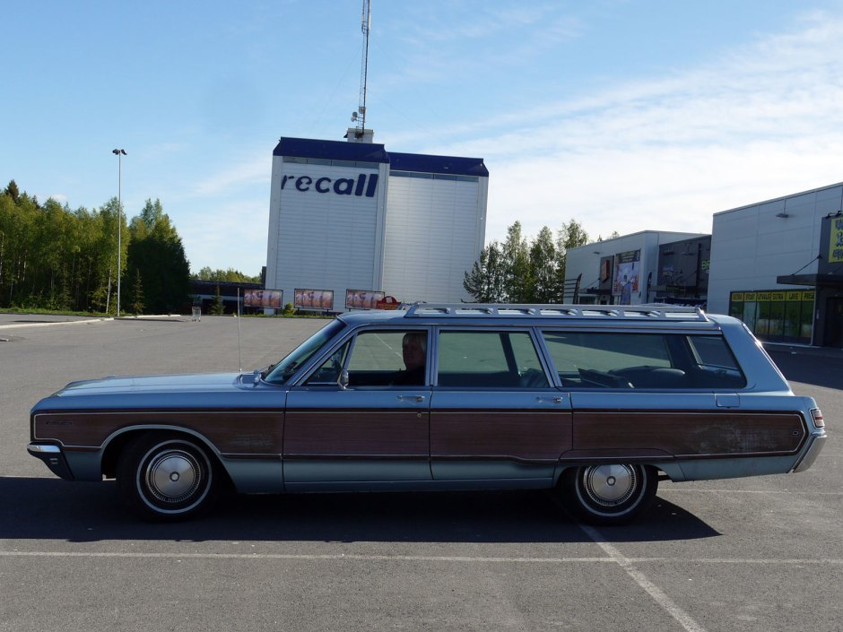 1968 Chrysler Town & Country Classic american station wagon Oslo
