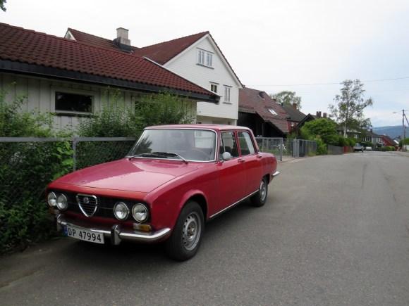 1973 Alfa Romeo 2000 Berlina 105 series italian sports sedan