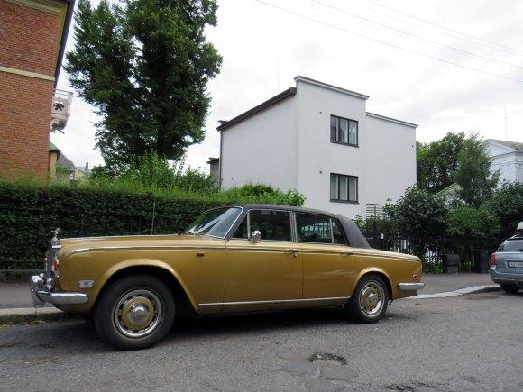1975 Rolls-Royce Silver Shadow british luxury sedan