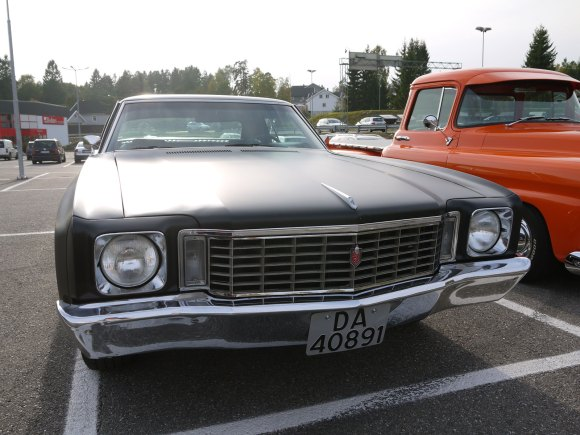 1972 CHEVROLET MONTE CARLO OLD PARKED CARS