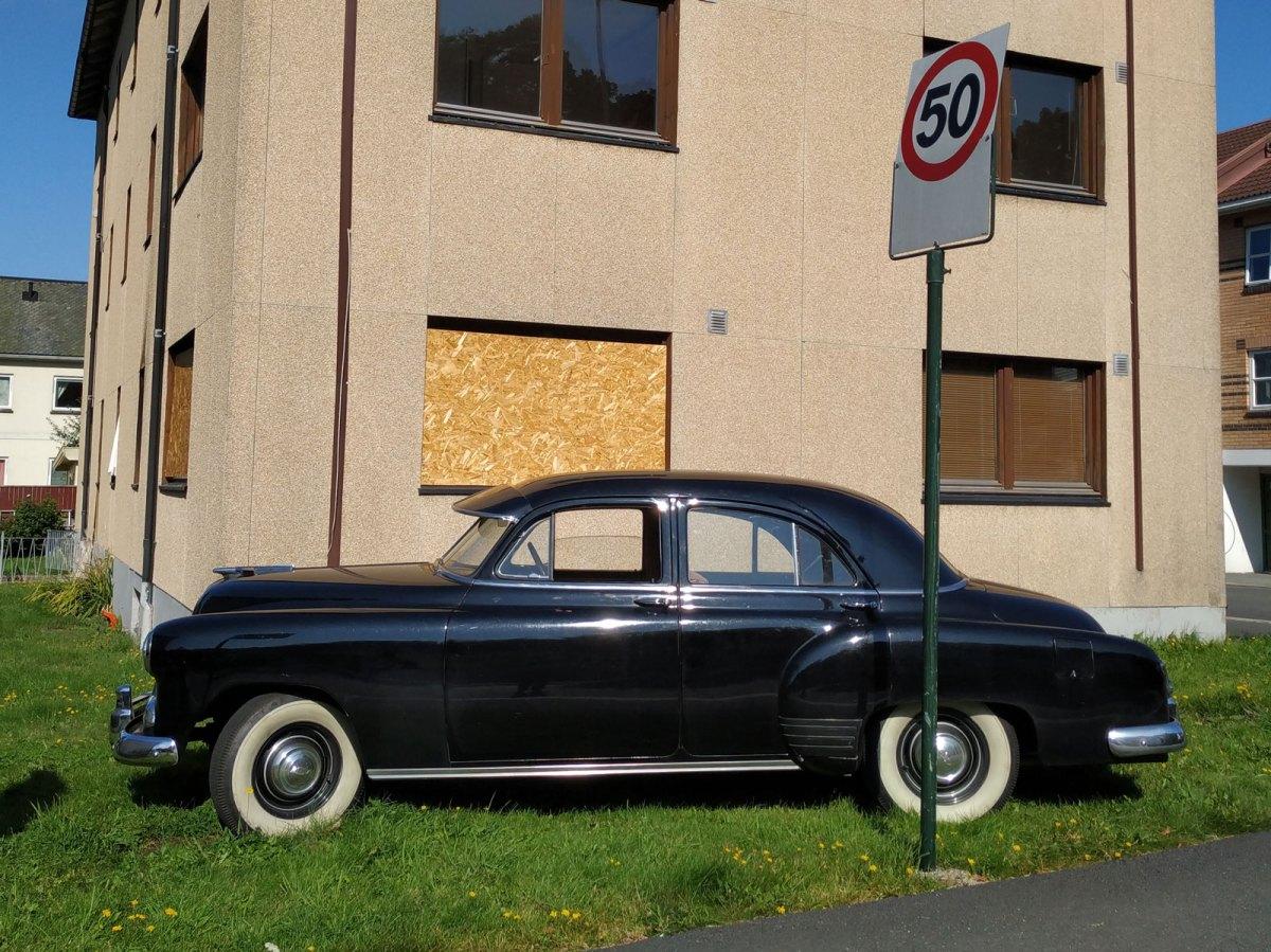 1951 Chevrolet Styline old parked cars sarpsborg thumbnail