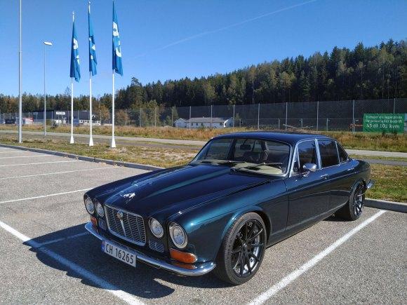 1972 Jaguar XJ6 hot rod v8