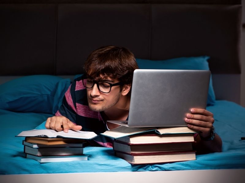 thesis_student