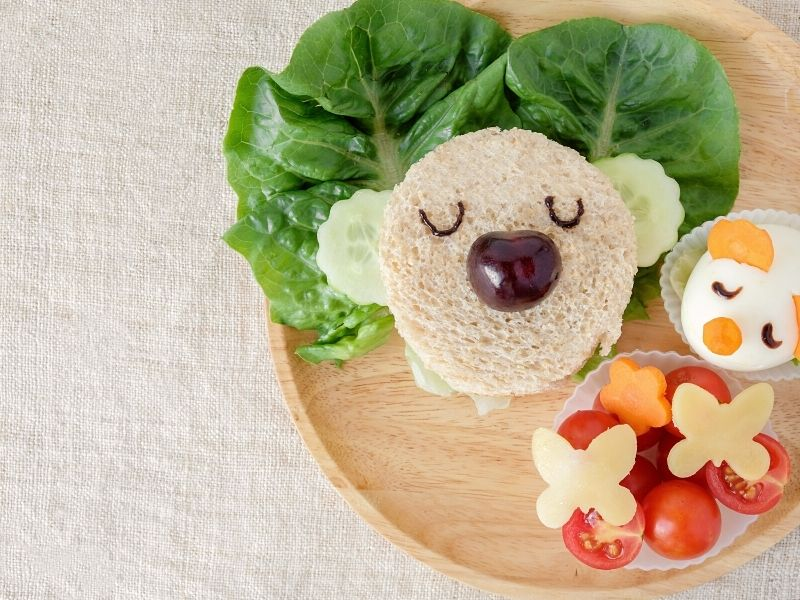 kids and healthy food