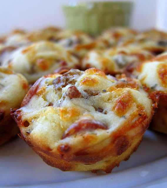 Sausage & Pepperoni Pizza Puffs | oldsaltfarm.com