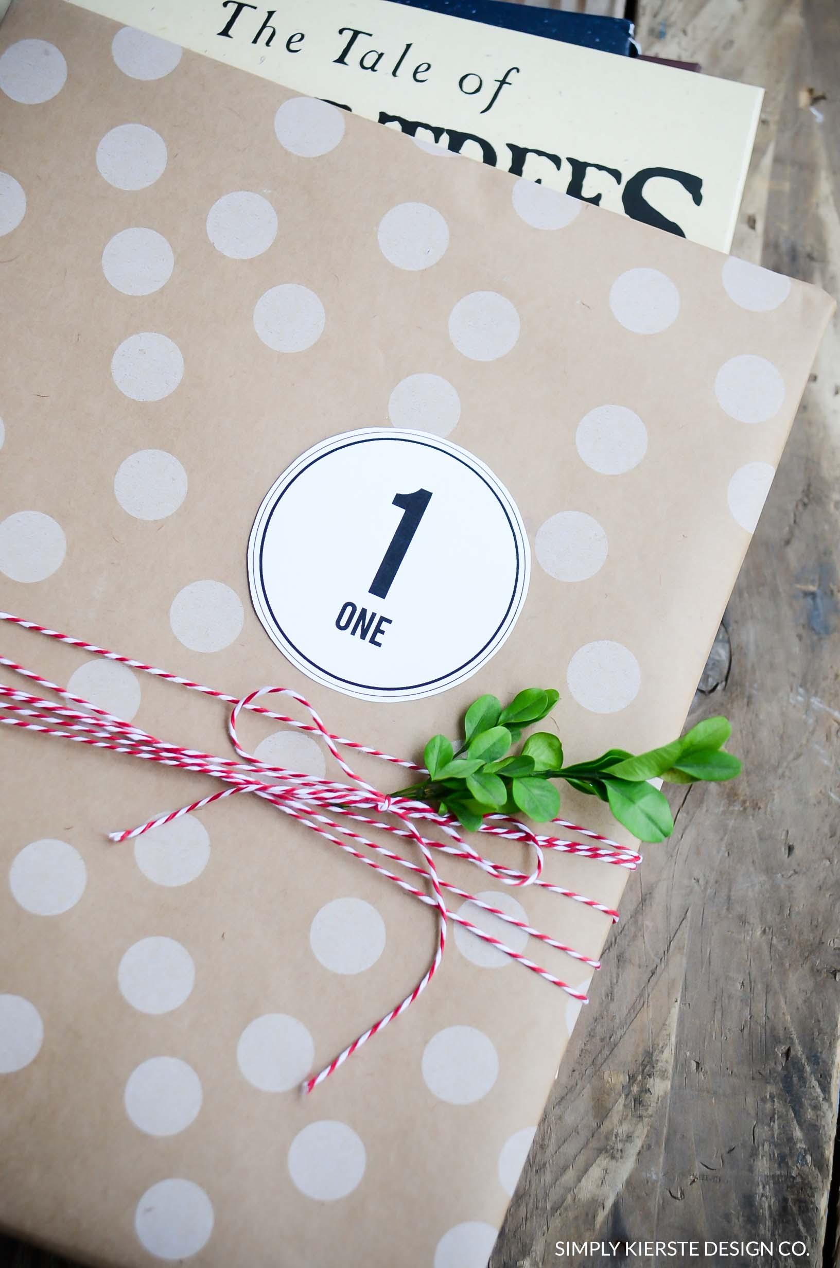 Christmas Book Advent | Favorite Christmas Books | simplykierste