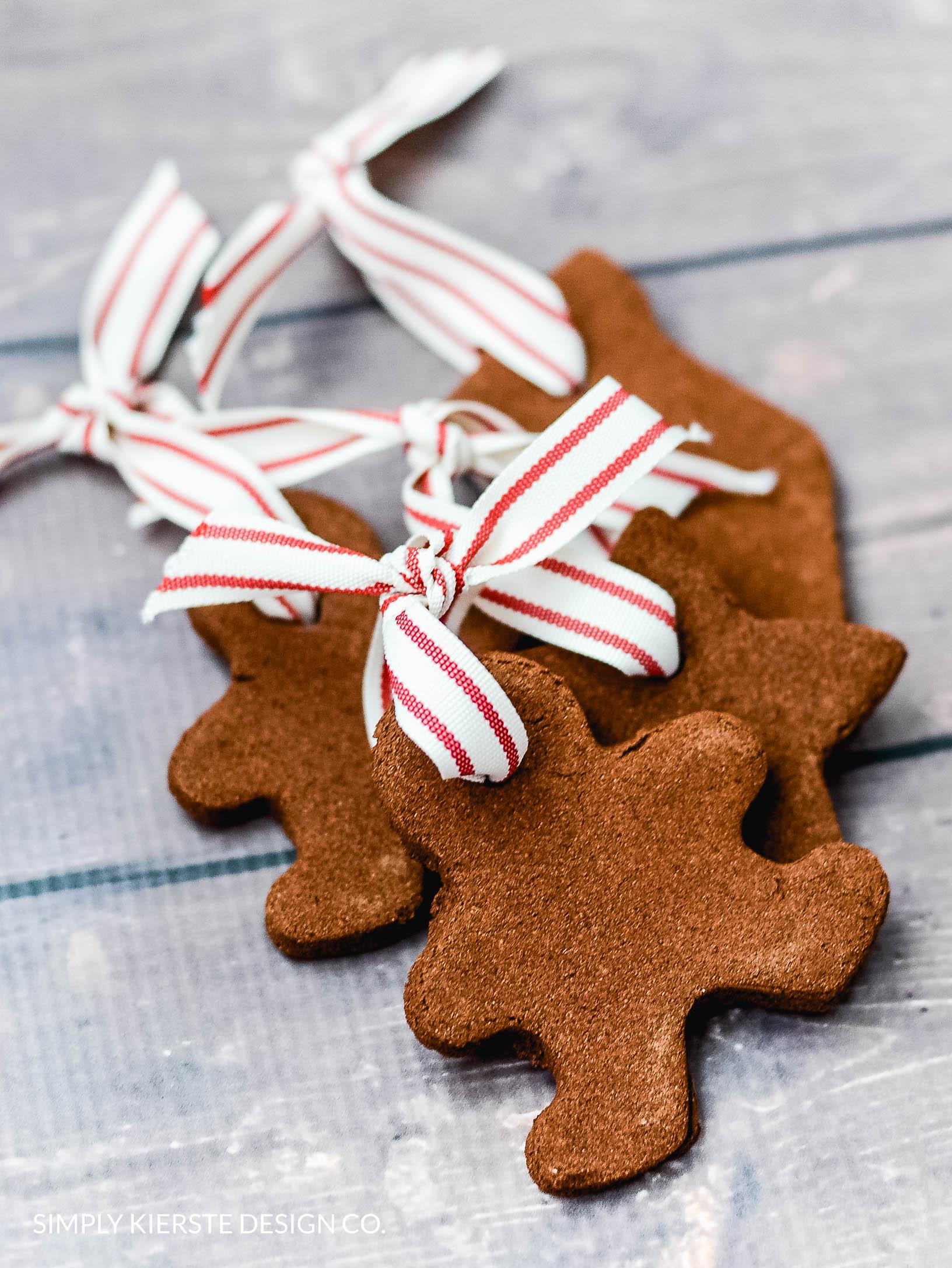 Easy Handmade Cinnamon Ornaments | Christmas Ornaments | oldsaltfarm.com #handmadeornaments #diyornaments #easychristmasideas