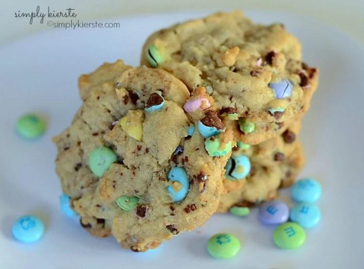 Smashed M&M Cookies | oldsaltfarm.com