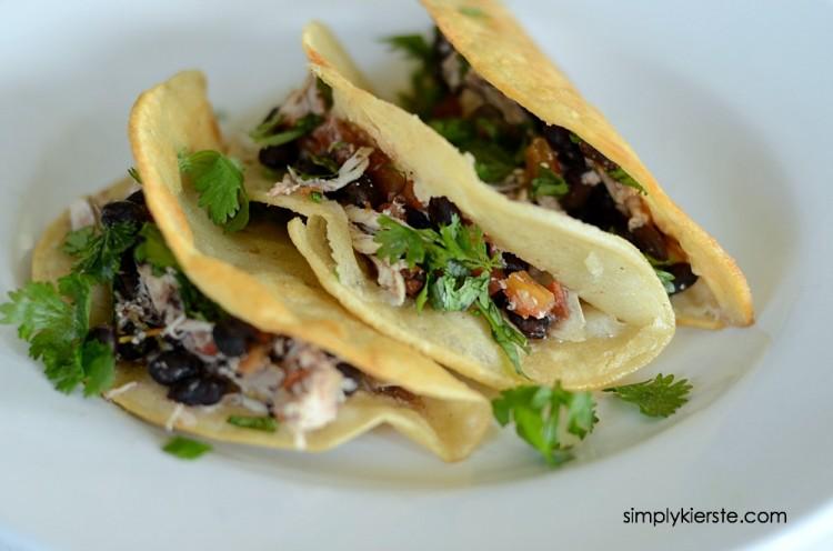 Easy Crockpot Salsa Chicken Tacos   oldsaltfarm.com