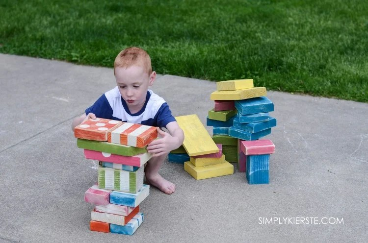Cheap & easy DIY outdoor wooden blocks | oldsaltfarm.com
