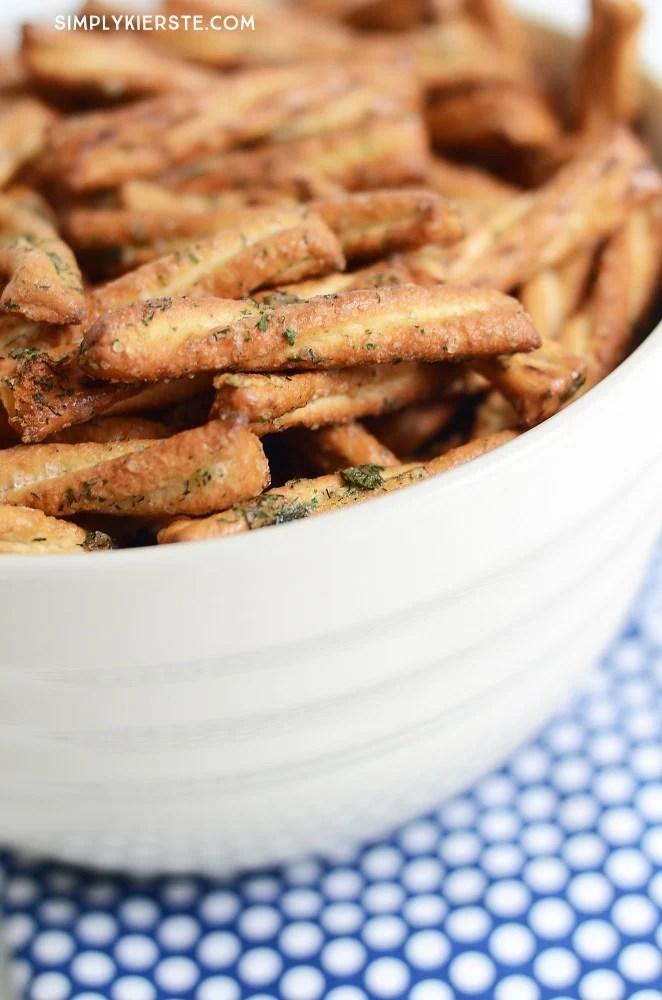 Easy seasoned glazed pretzels | oldsaltfarm.com