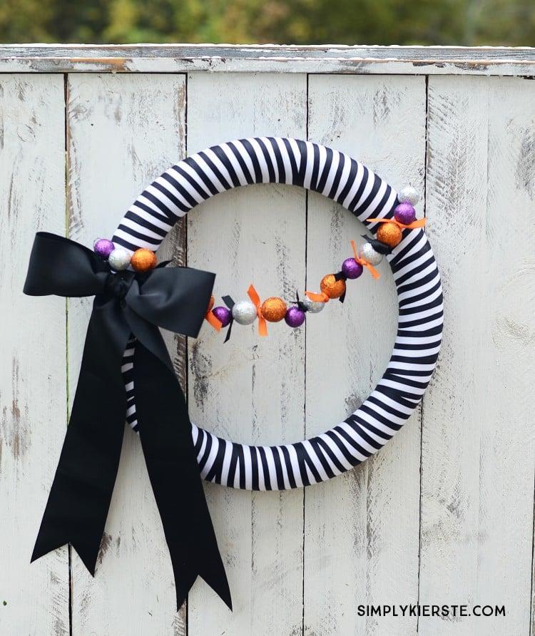 Striped Halloween Wreath | oldsaltfarm.com