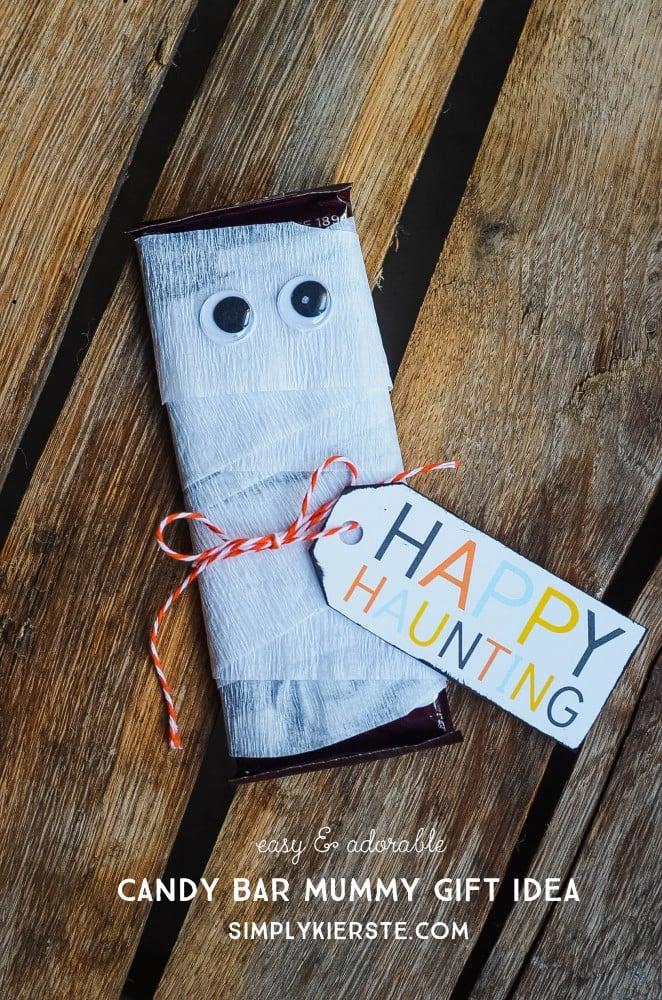 Candy Bar Mummy Gift Idea | oldsaltfarm.com
