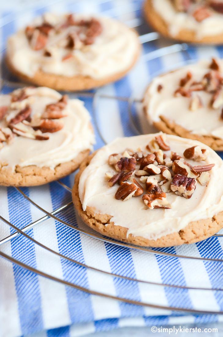 Irresistible Praline Cookies   oldsaltfarm.com