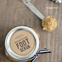 DIY Brown Sugar Foot Scrub Recipe | oldsaltfarm.com