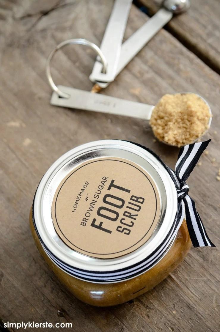 DIY Brown Sugar Foot Scrub Recipe | oldsaltfarm.com
