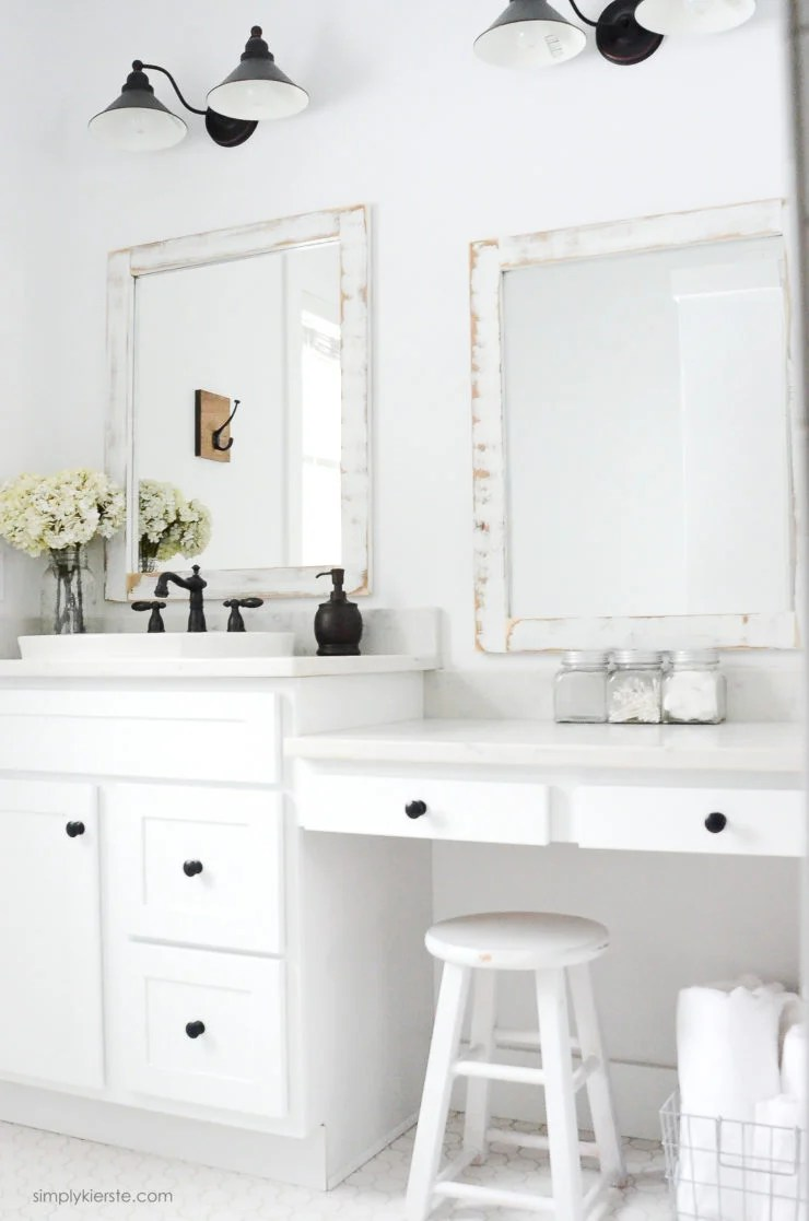 Farmhouse Bathroom | DIY Bathroom Mirrors | oldsaltfarm.com