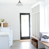 Farmhouse Laundry Room | oldsaltfarm.com