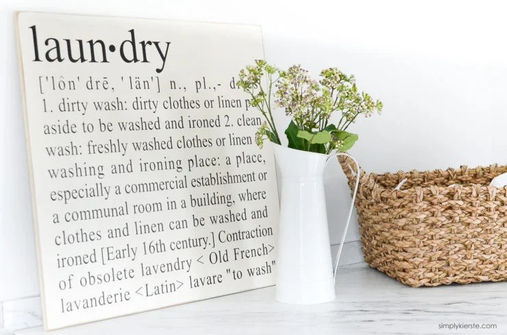 Farmhouse Laundry Room | oldsaltfarm.com