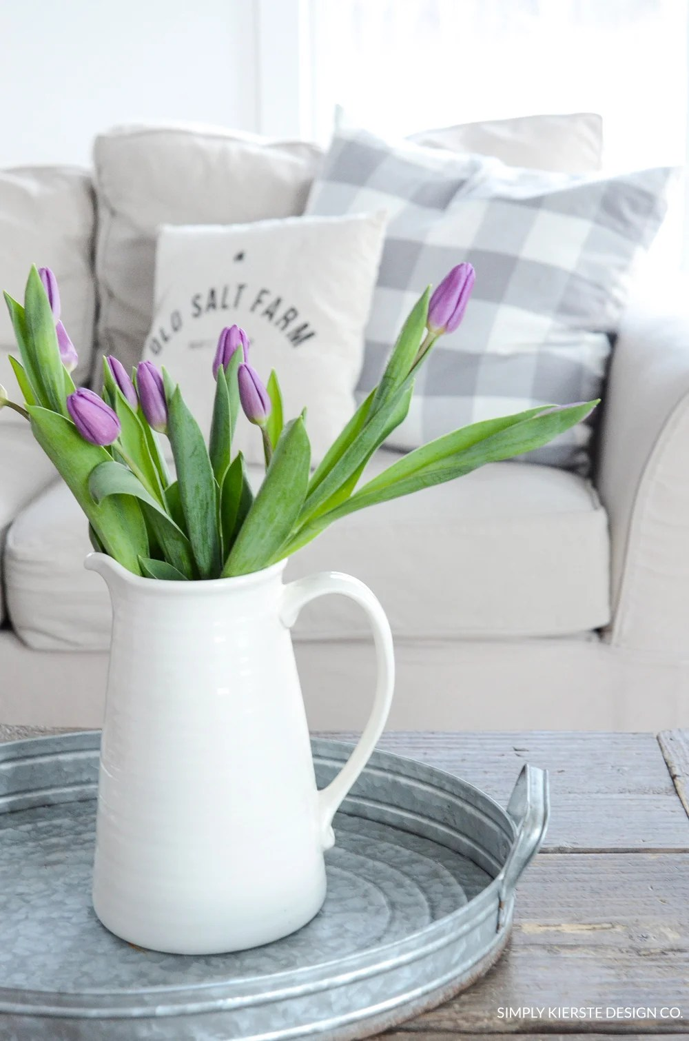 Decorating with Flowers for Spring | oldsaltfarm.com