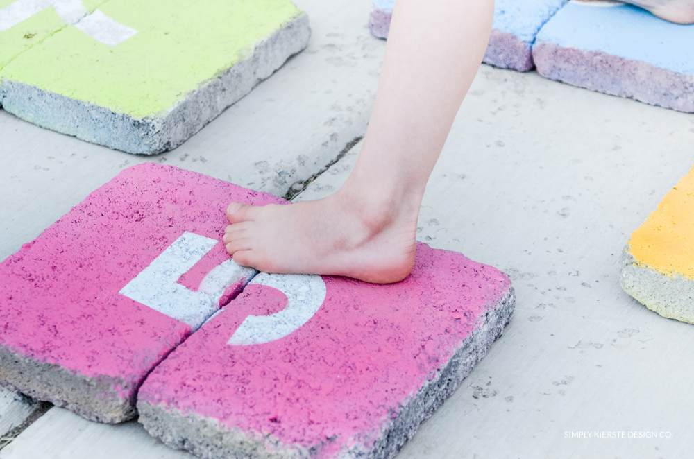 DIY Outdoor Hopscotch | simply kierste.com