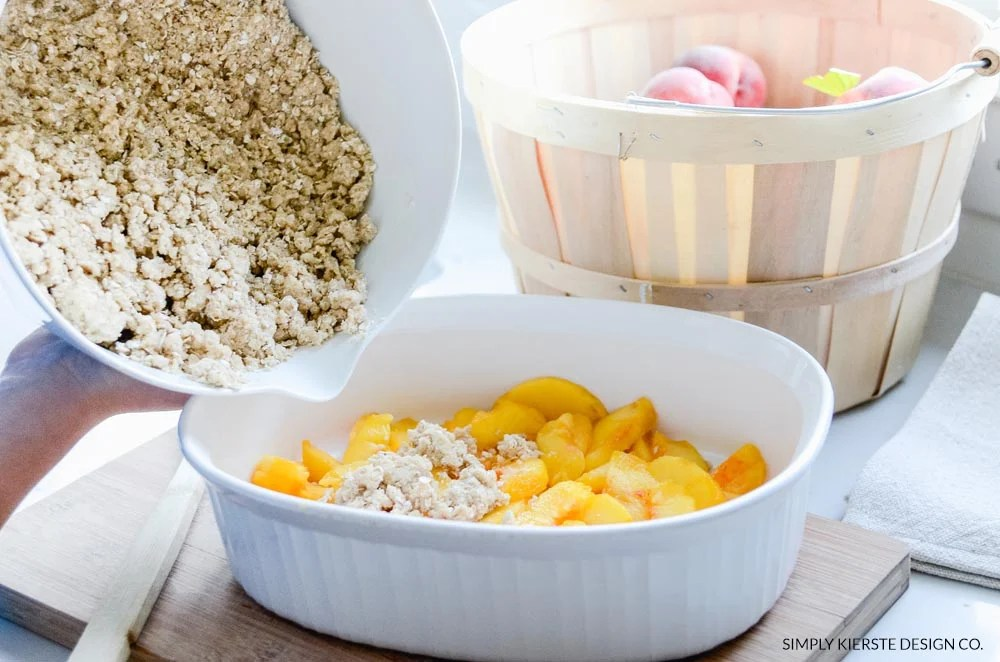 The BEST Peach Crisp recipe ever...quick, easy, and YUMMY! | oldsaltfarm.com