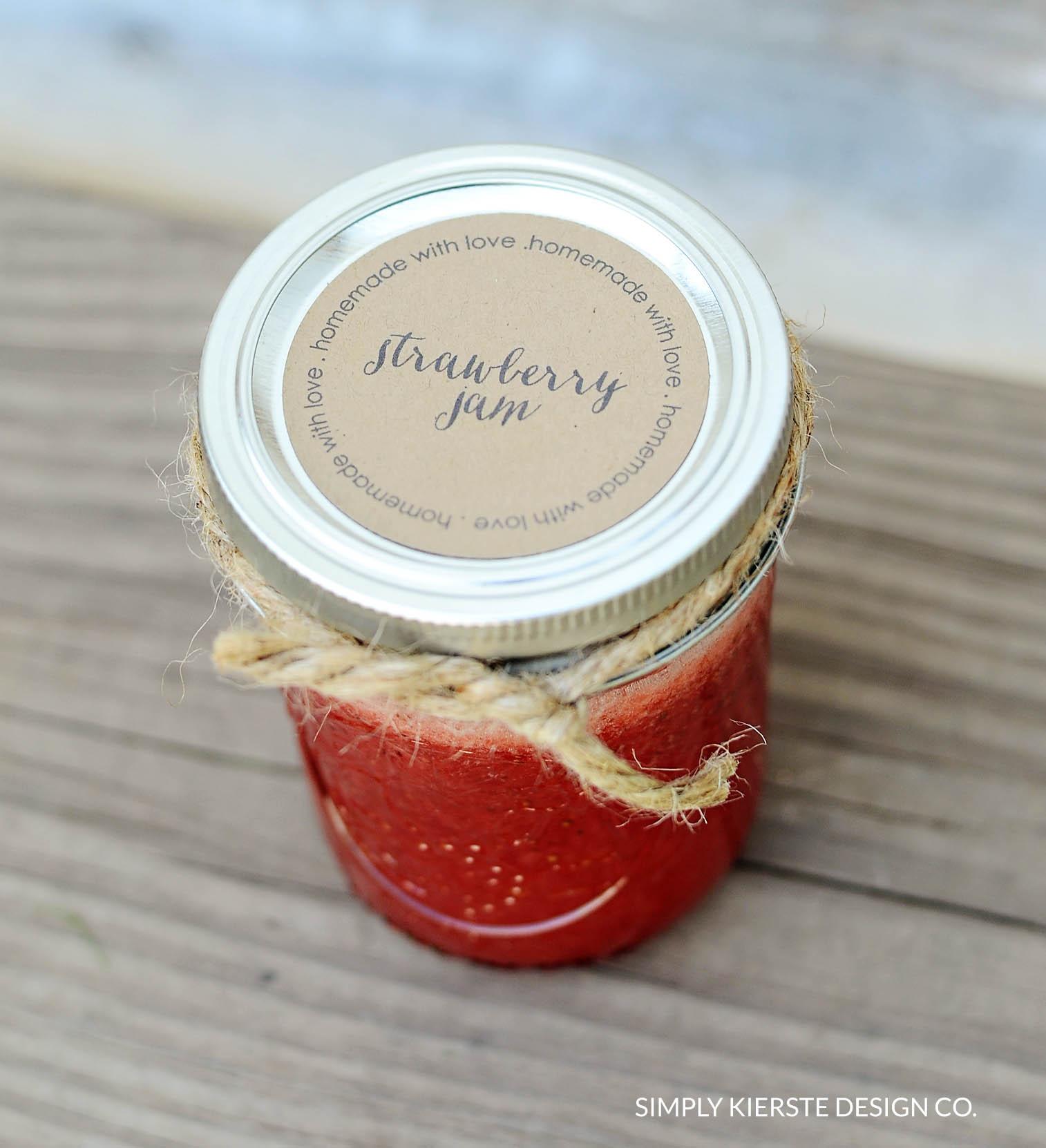 Homemade Jam Gift Tags | Printable Tags | oldsaltfarm.com #gifttags #homemadejam #printabletag #easygiftidea