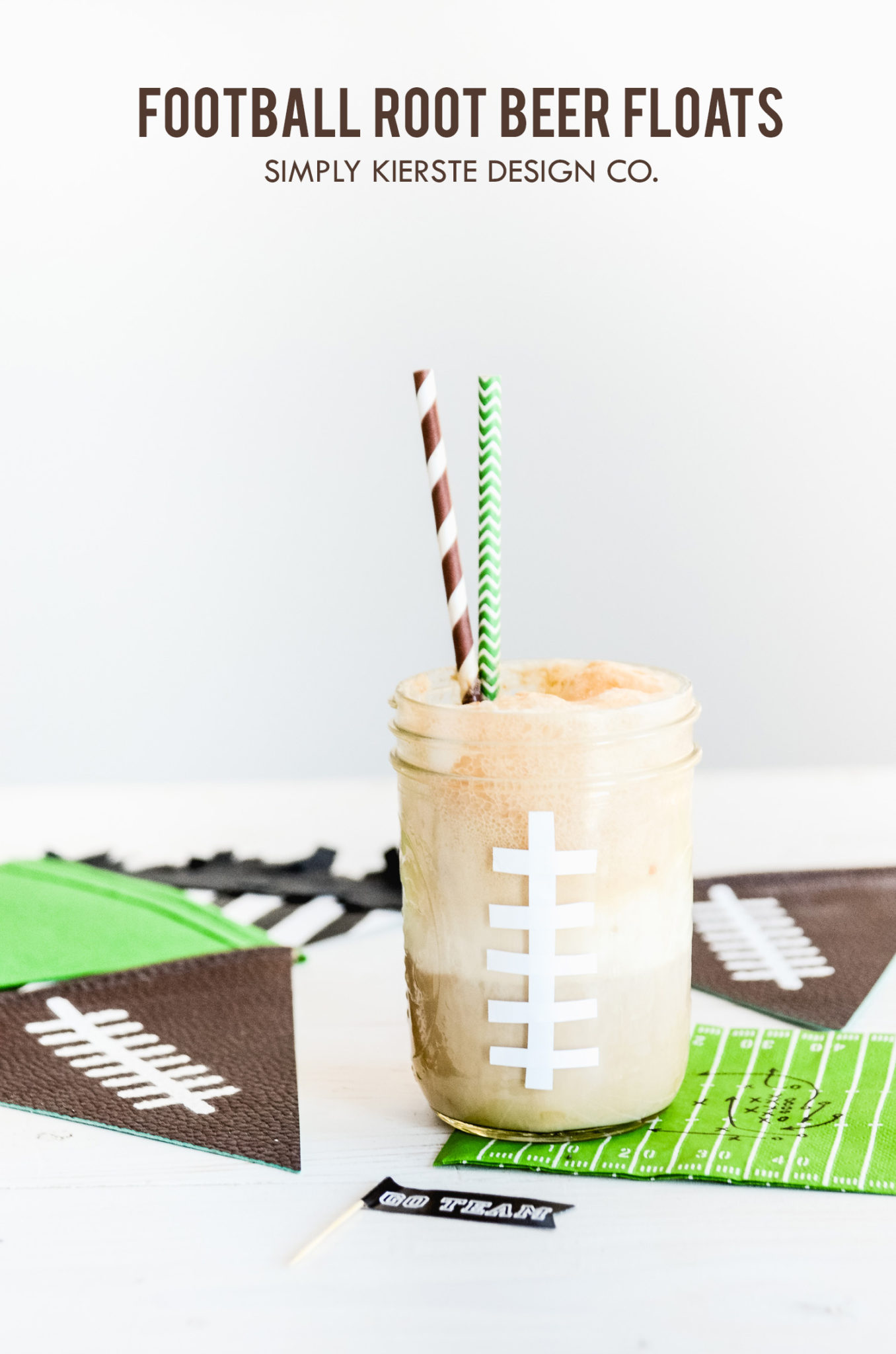 Football Root Beer Floats | Game Day Treats | oldsaltfarm.com #footballtreats #gamedayfood #masonjarideas #gamedayrecipes