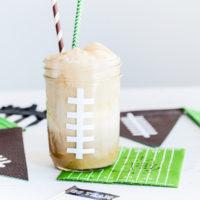 Football Root Beer Floats | Game Day Treats | oldsaltfarm.com #superbowlrecipes #gamedayfood #masonjarideas #gamedayrecipes